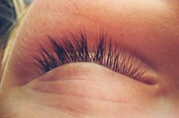 eye closed lashes sleep