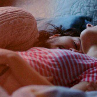Проснулся парень утром с девушкой фильм