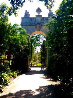viscaya garden miami