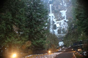 winter waterfall photography rainyday oregon