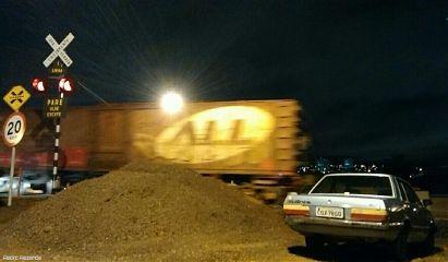 train travel night light photography